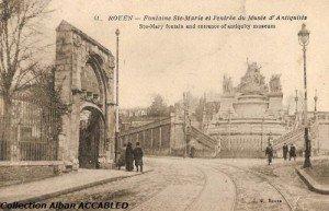 Fontaine Sainte Marie et Portail des Clarisses