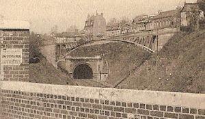 Eglise Saint Hilaire et Chemin de Fer (détail)